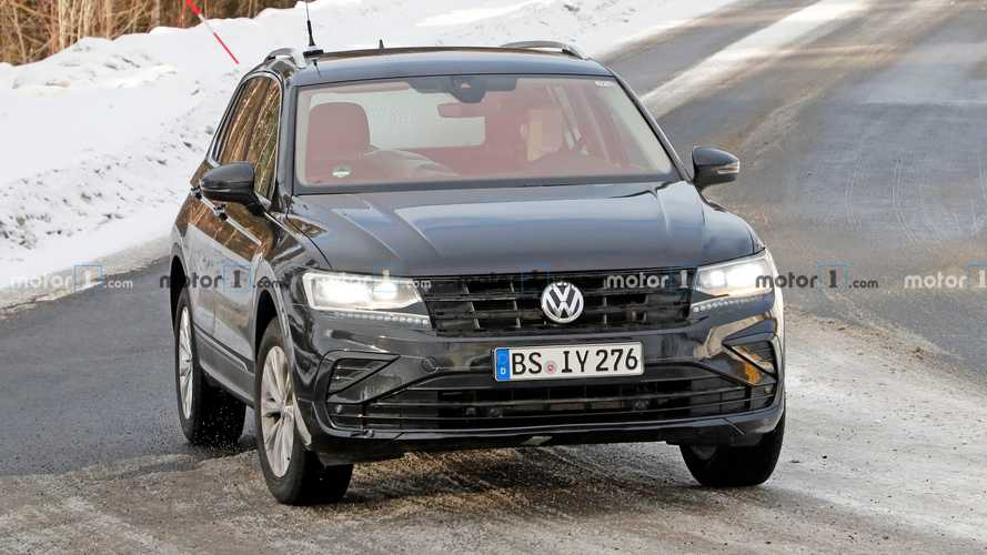 2021 VW Tiguan GTE spy photos