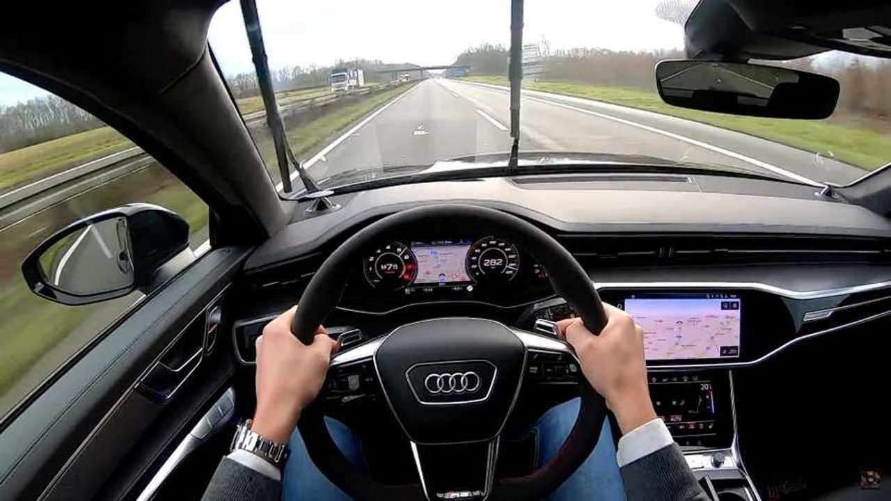 2021 Audi RS6 Avant Autobahn