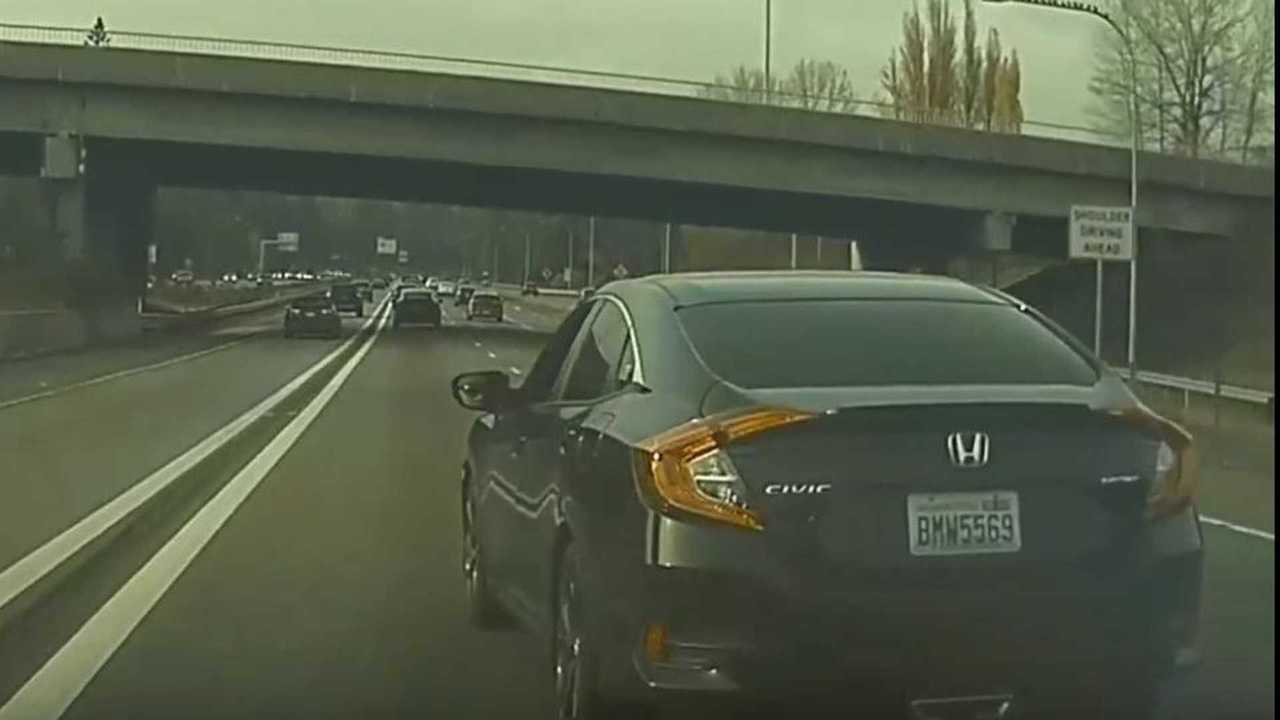 19 - Extreme Road Rage: Watch Honda Civic Repeatedly Attack A Tesla Model 3