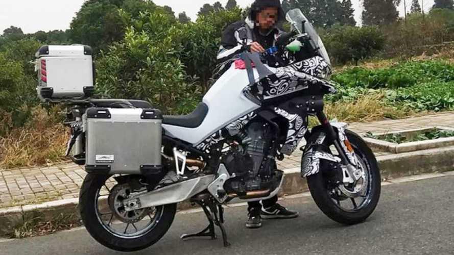KTM e CFMoto, (in Cina) arriva una crossover da 800 cc
