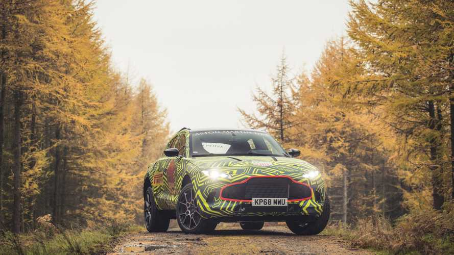 Aston Martin DBX, i test in Galles