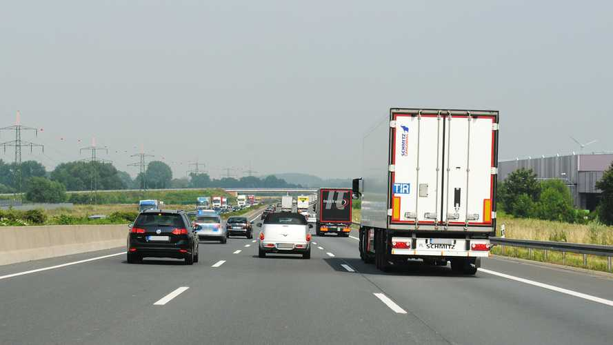 Limite a 150 km/h in autostrada, la proposta della Lega