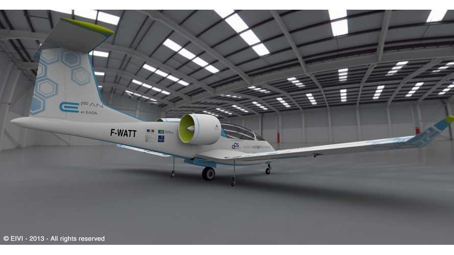 EADS E-Fan Maiden Flight (Video)