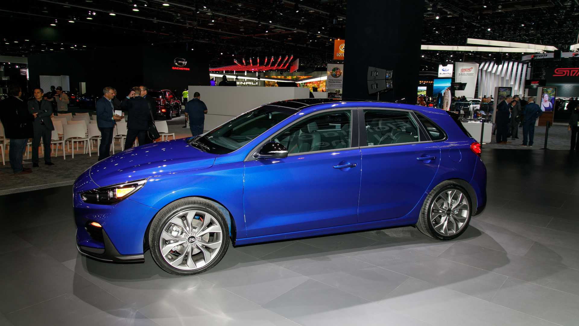 Hyundai Elantra Gt N Line Brings Hot Hatch Looks To Detroit