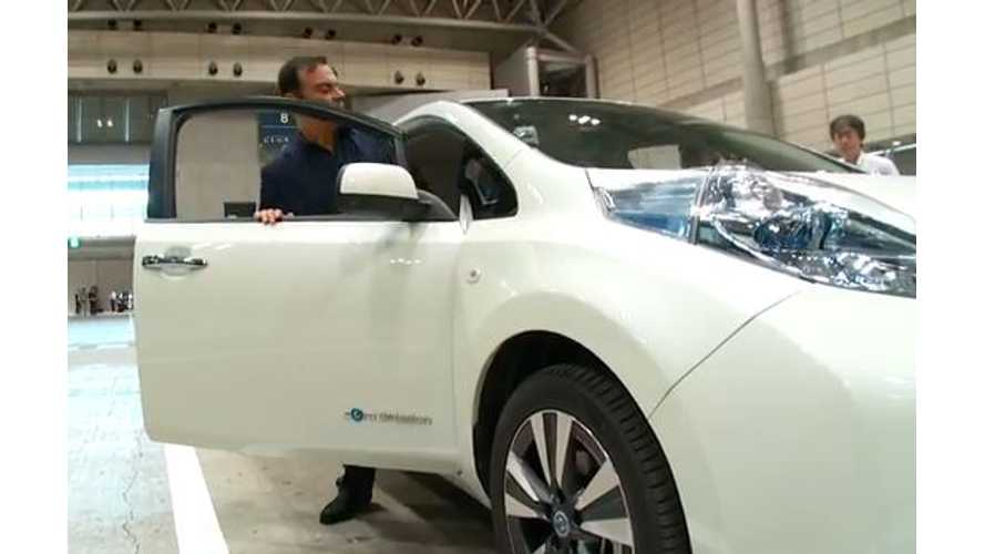 Video: Nissan CEO Ghosn Tests Out Autonomous LEAF