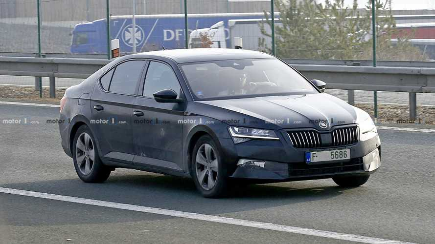 2020 Skoda Superb Facelift To Be Revealed On May 23