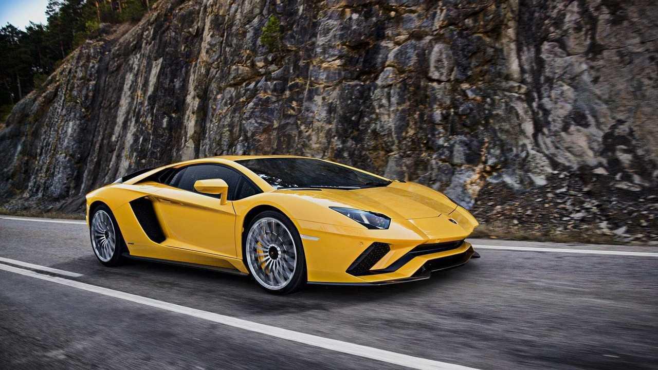 8 - Lamborghini Aventador