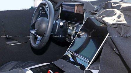 Yeni Mercedes S-Serisi devasa ekranıyla görüntülendi