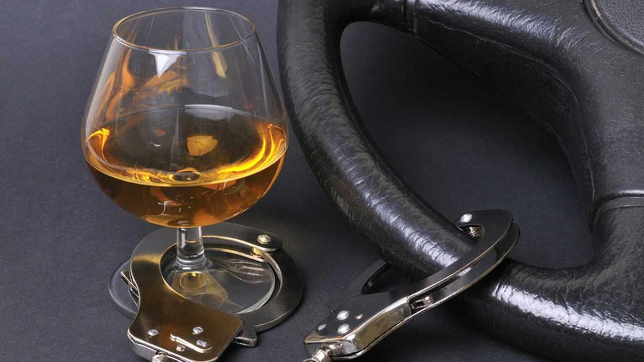 Copertina Legge anti corruzione: niente prescrizione per alcol alla guida