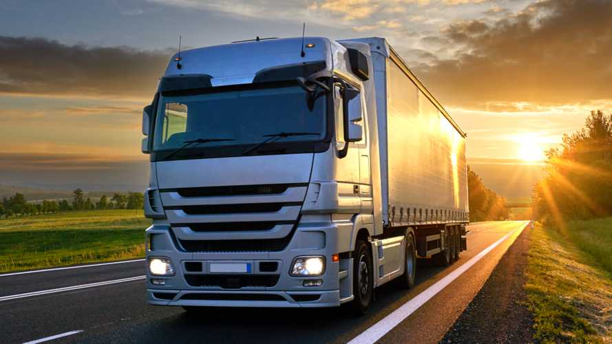UK HGV registrations plunge by more than 73% in Q2