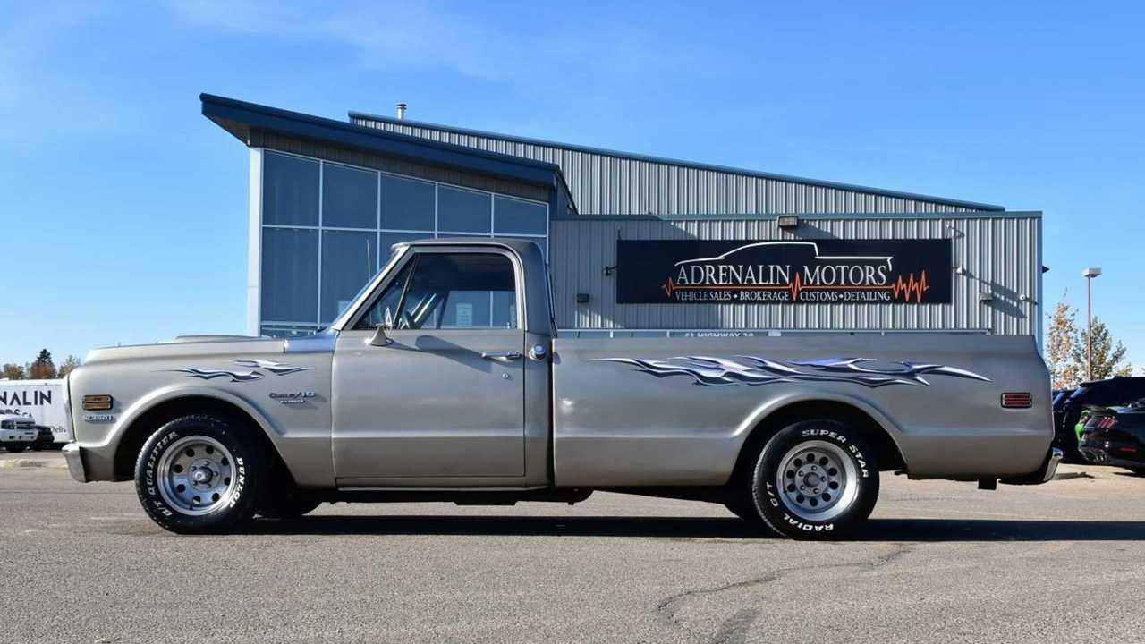 Semi-Custom 1972 Chevy C10 LWB Is Long And Low