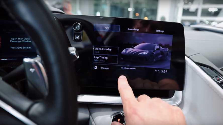 Egy tanulmány szerint az autók infotainment rendszerei a mobiloknál is veszélyesebbek