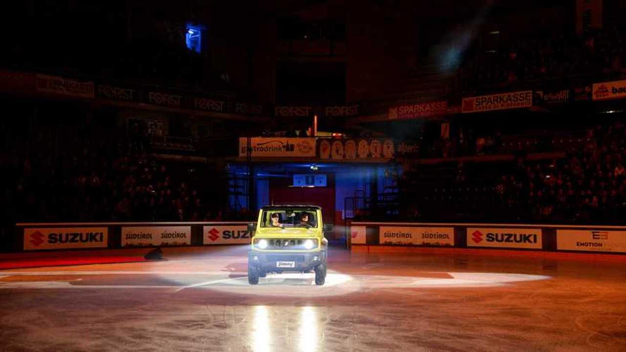 Copertina Suzuki è auto ufficiale di Opera on Ice 2019