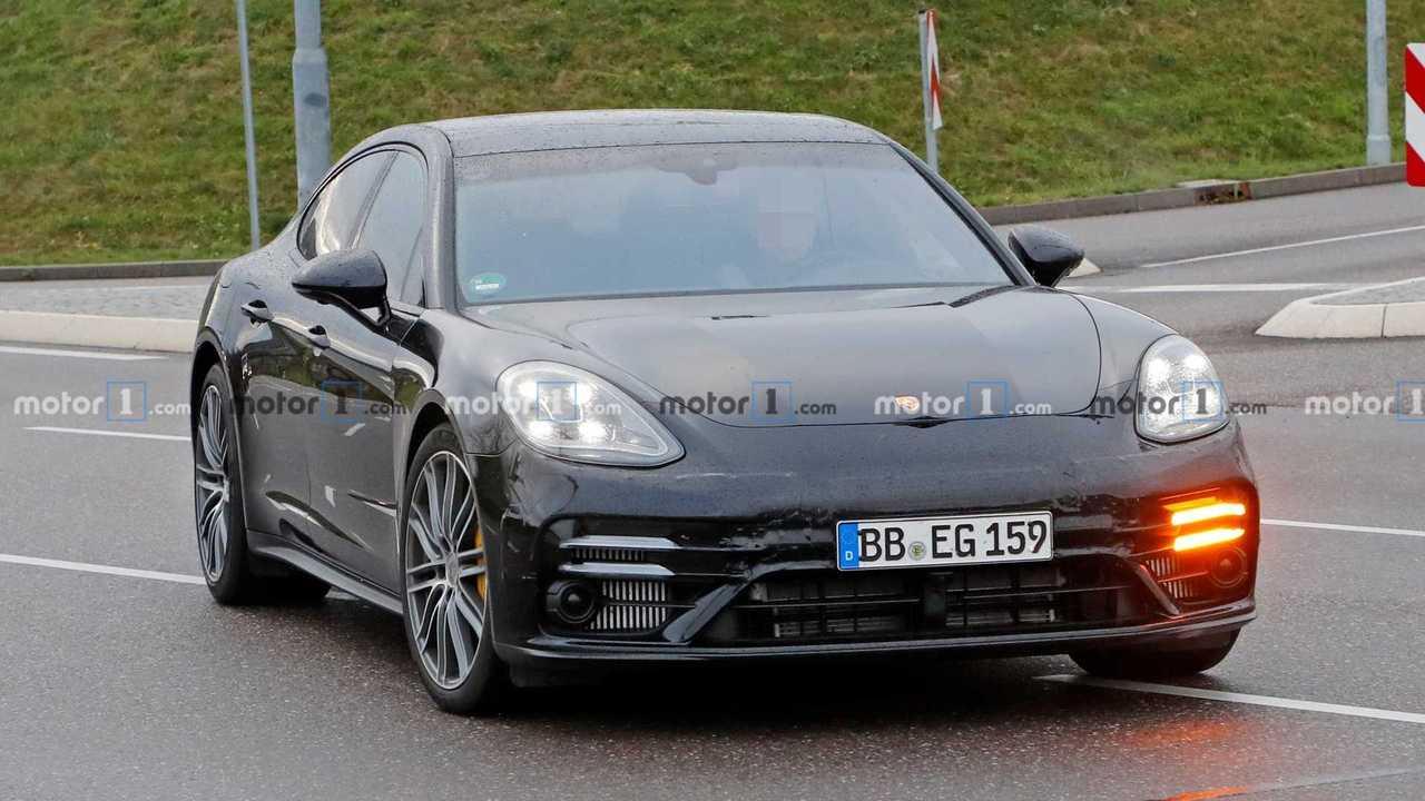 Porsche Panamera facelift kémfotó