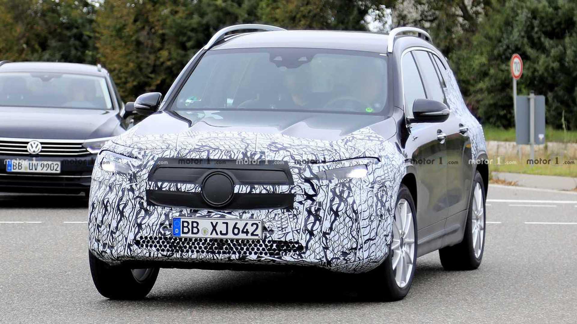Mercedes EQB Returns In New Spy Photos