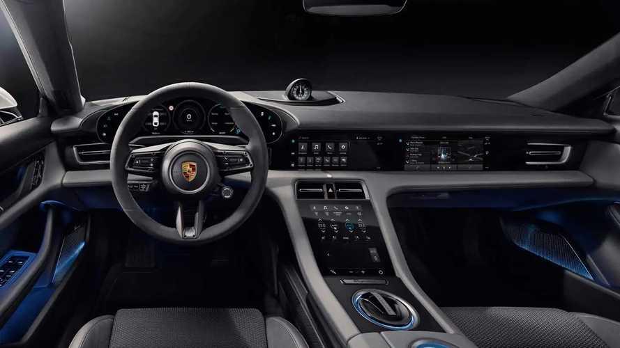 Porsche Taycan, l'elettrica mostra gli interni