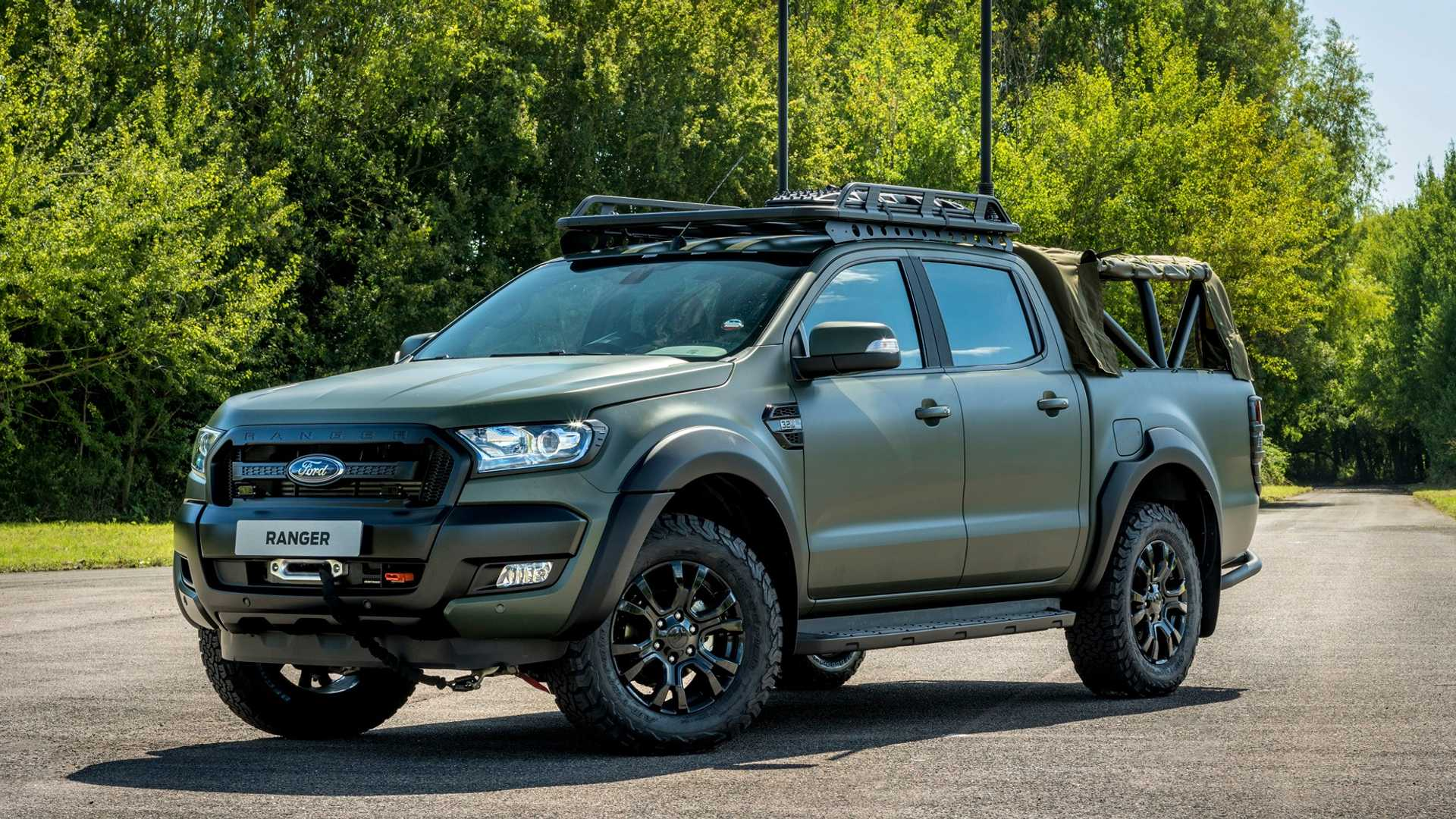Militarised Ford Ranger by Ricardo looks ready for action