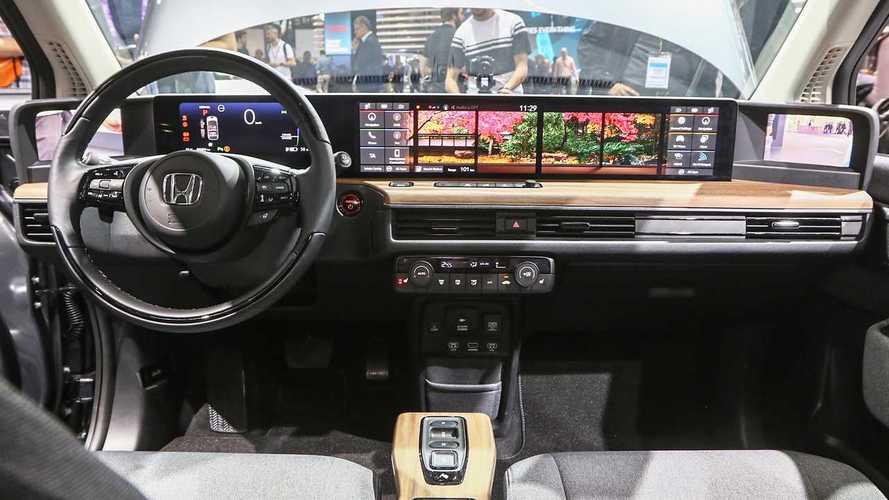 Maxi schermo in auto, a Francoforte è sfida a chi lo fa più grande