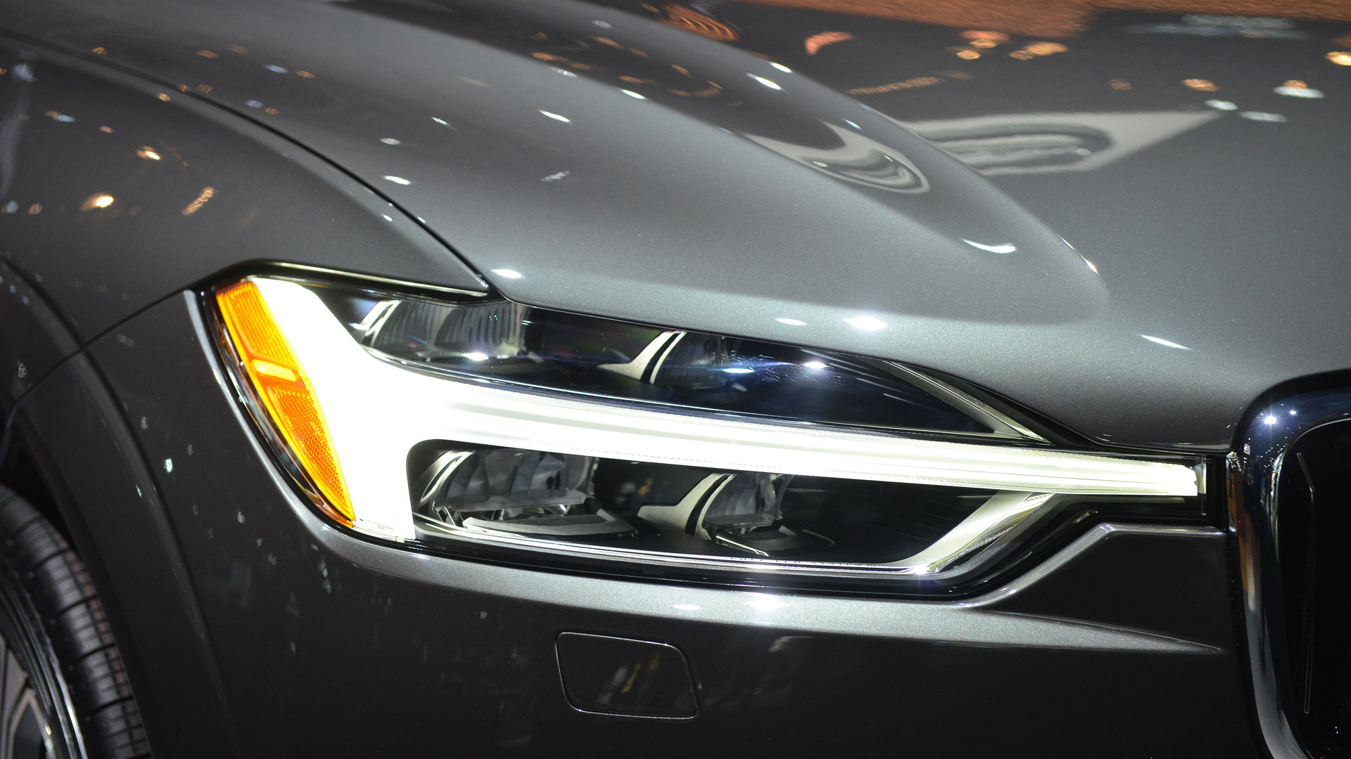 IIHS: Most SUV Headlights Fail To Light Up Newest Ratings