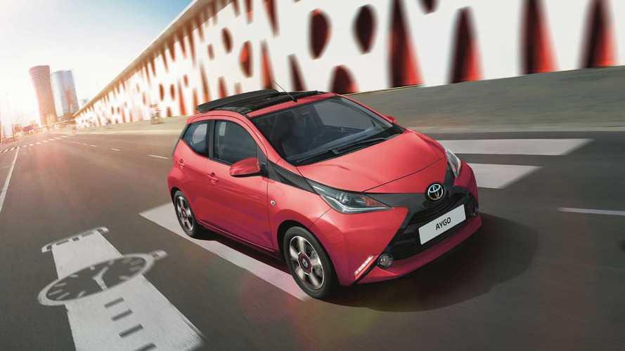 Toyota AYGO x-sky y x-wave 2017, urbanos selectos