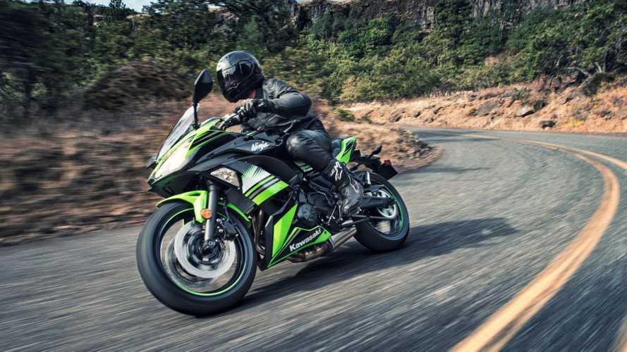 Motos da Kawasaki são vendidas em promoção durante agosto