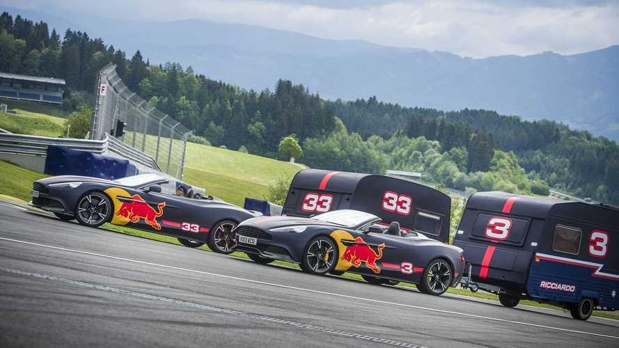 Red Bull F1 pilotlarından ilginç pist gösterisi