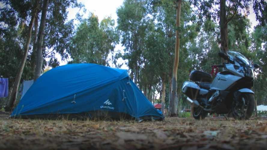 6 consigli utili per viaggiare in moto con la tenda