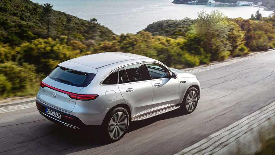 Mercedes EQC: produzione dimezzata per la carenza di batterie