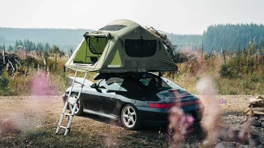 La Porsche 911 con la tenda sul tetto