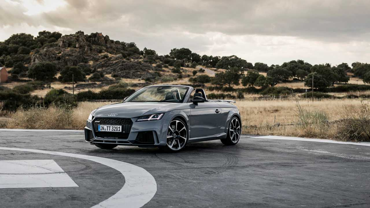 Audi TT RS Coupé, TT RS Roadster (2016) e RS 3 Sedan (2017)
