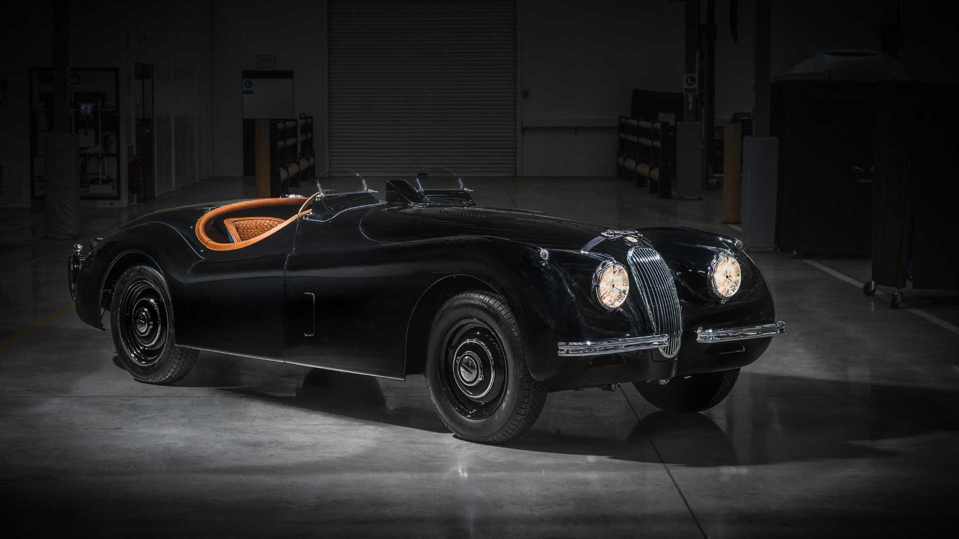 "[""David Gandy Jaguar XK120""]"