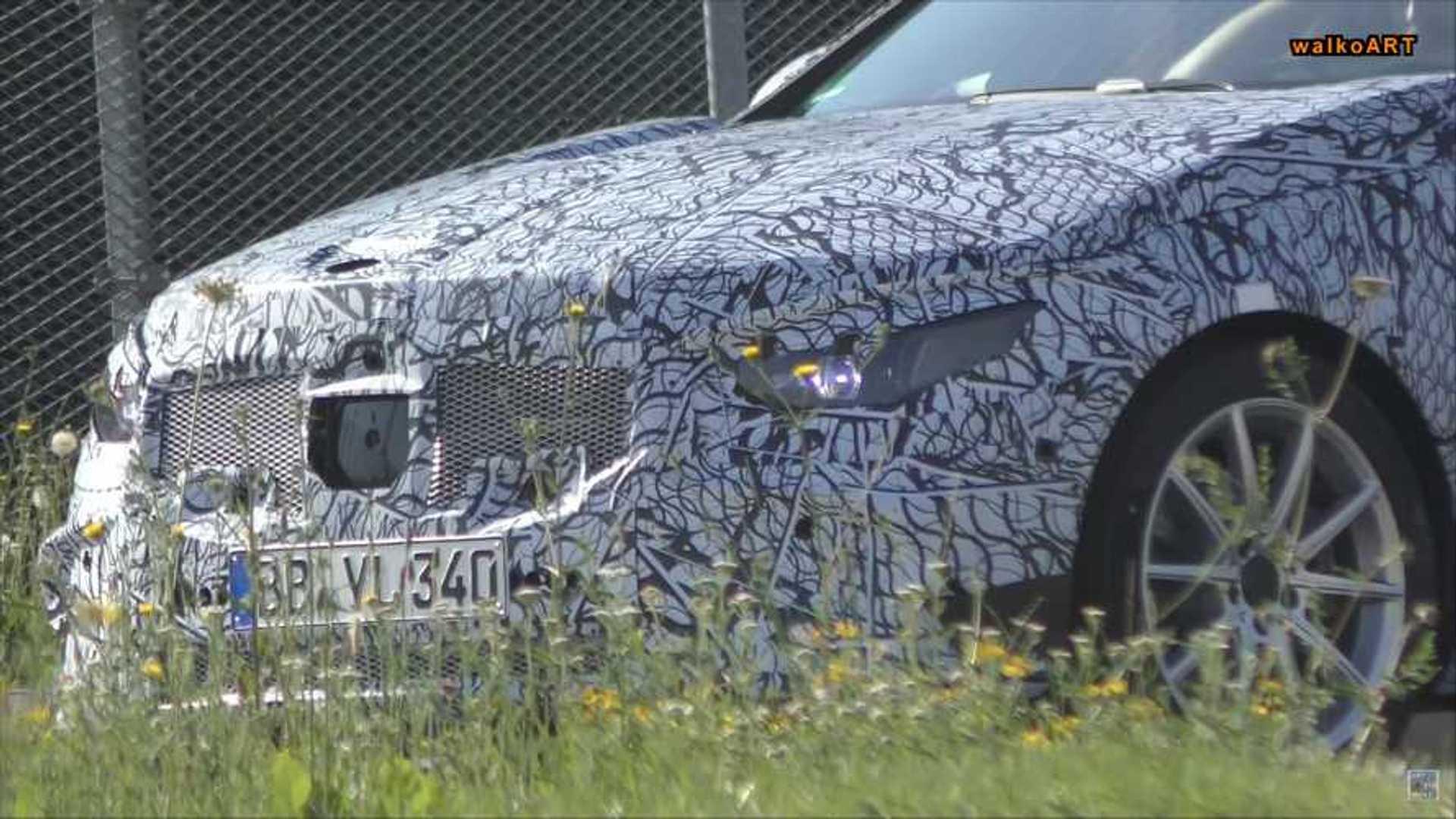 Flagra: Mercedes-Benz Classe C 2021 testa sistemas semi-autônomos 2021-mercedes-benz-c-class-spy-screenshot