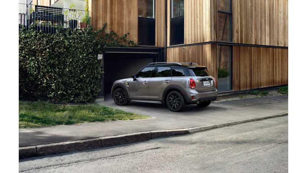 MINI Cooper S E Countryman ALL4 Plug-In Hybrid Tested - Video