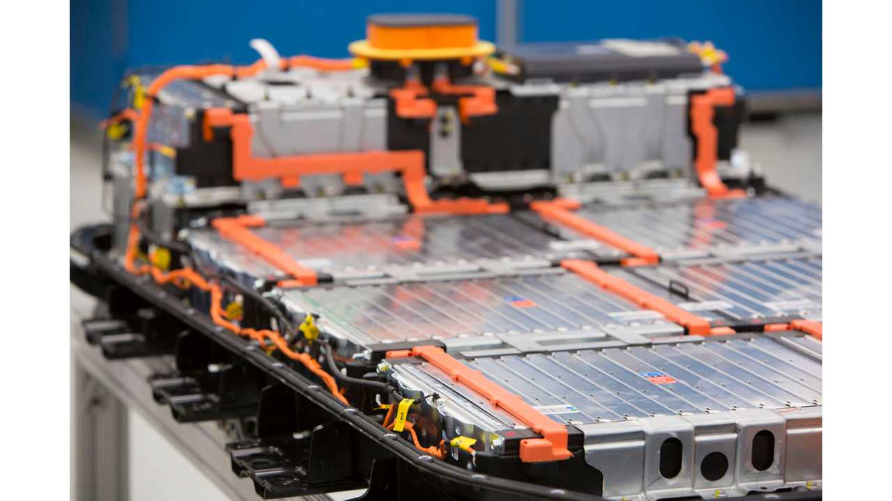 Worldwide Electric Car Battery Market Expected To Grow 66% This Year (Video)
