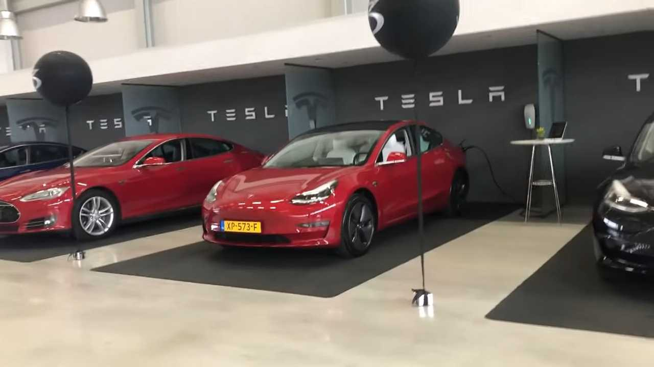 Tesla Model 3 European Delivery/First Drive, Charging Cables Out Of Stock