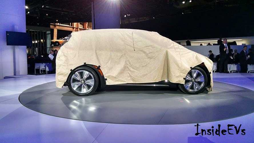 First Images Of Chevrolet Bolt (CrossVolt?) At 2015 NAIAS