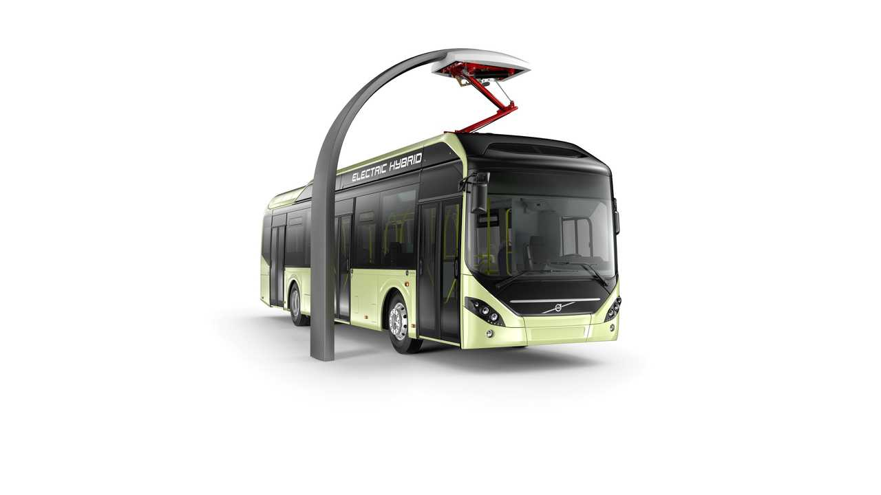 Volvo 7900 Plug-In Hybrid Bus At International IAA Commercial Vehicles Show - Video