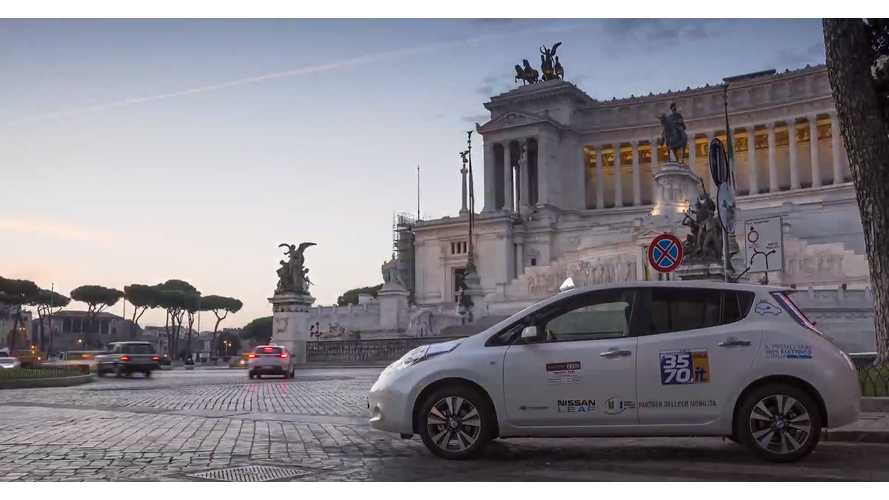 First Nissan LEAF Taxi Arrives In Rome - Video