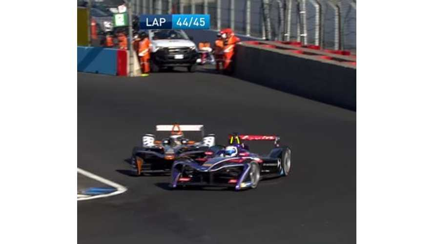 Top 20 Passes From Formula E 2017 - Video