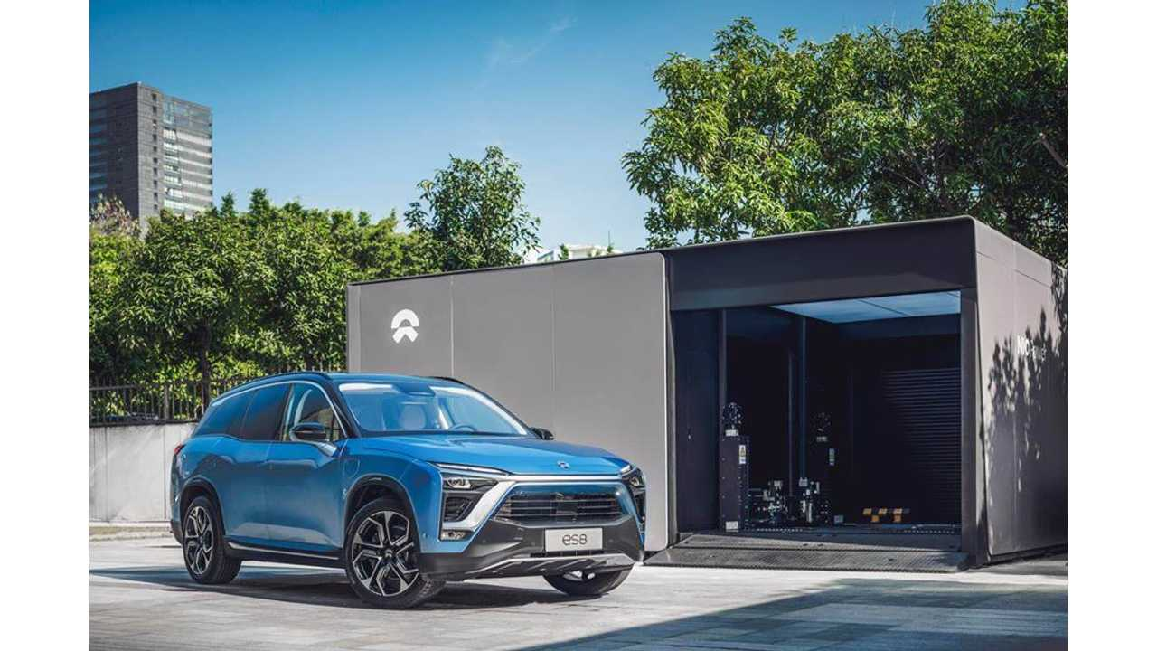 NIO ES8 at NIO's first Power Swap Station