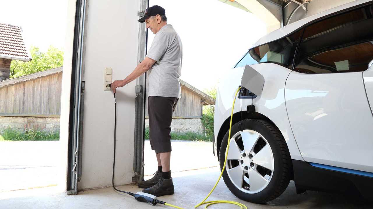 90% Of Electric Car Owners Won't Return To Gas