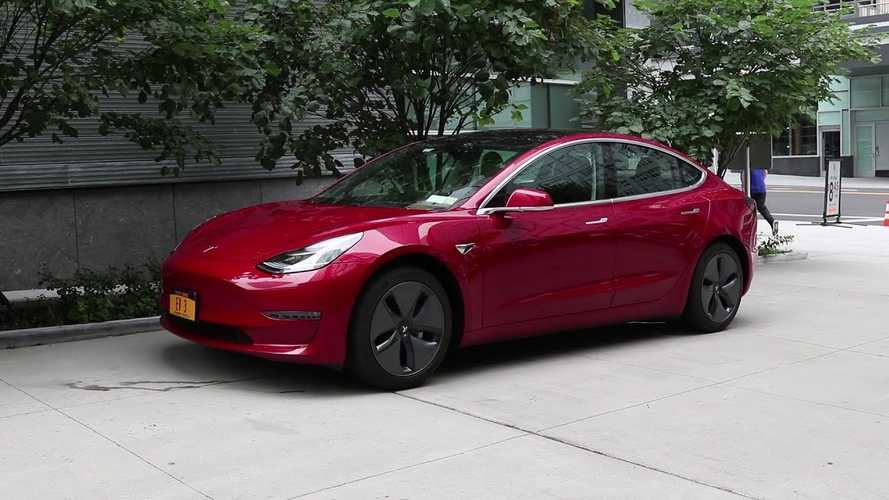 Bjorn Says New Tesla Model 3s Have Improved Build Quality, Fit & Finish