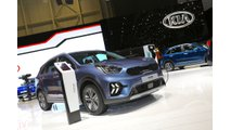Kia Niro PHEV Shows Off New Facelift: Photos/Videos