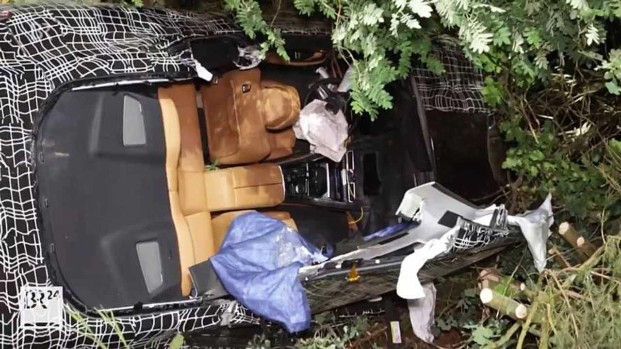 BMW 8 Series crash