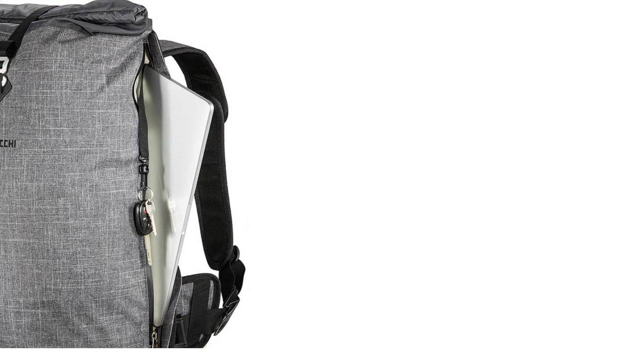 A closer look at the Giro 35L's laptop pocket.