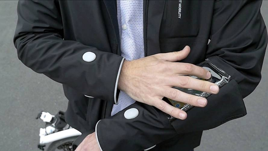 Ford's smart cycling jacket has satnav and handsfree calls