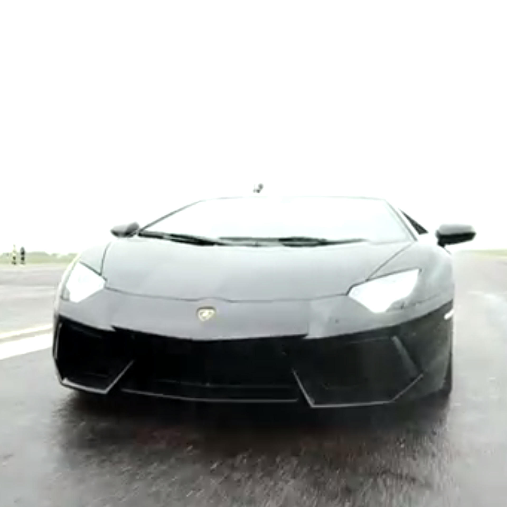 Video Lamborghini Aventador Vs F16 Fighter Jet