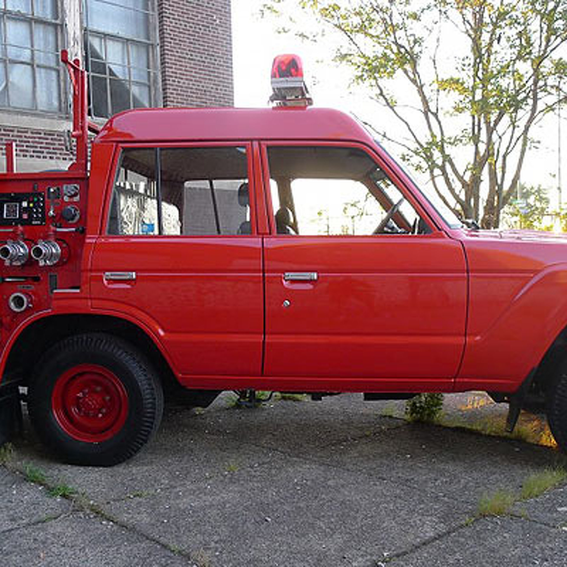 This Toyota Land Cruiser is a Serious, Go-Anywhere Firetruck