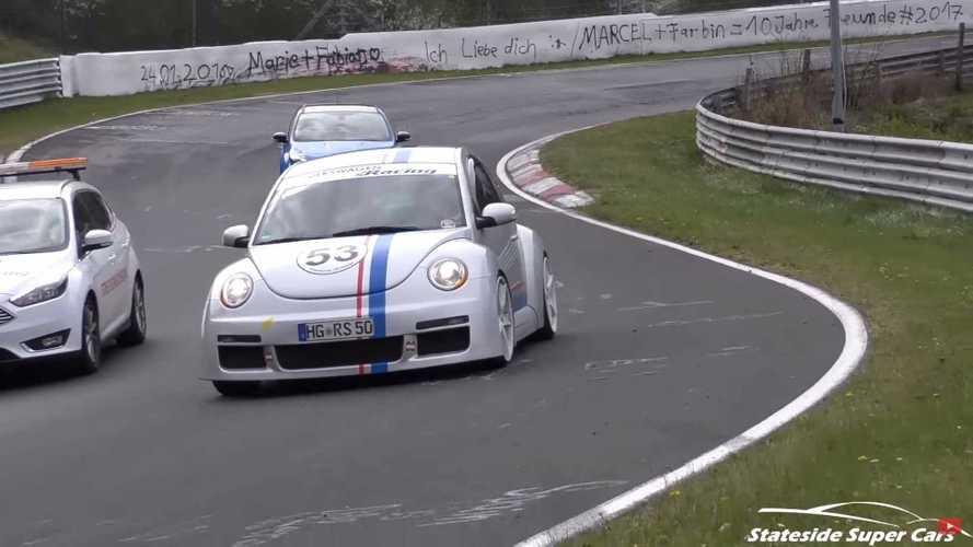 Son derece nadir bulunan VW Beetle RSi Nürburgring'de