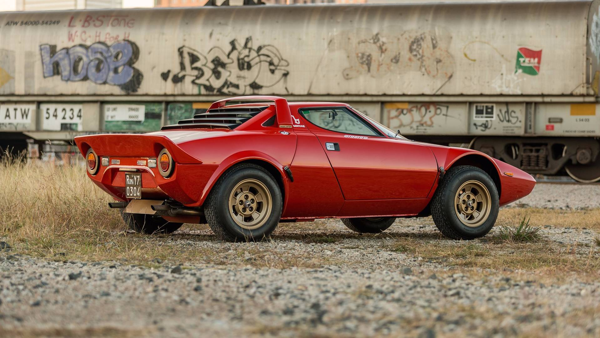Lancia Stratos For Sale >> Lightly Used Lancia Stratos Sells For A Whopping 475 000